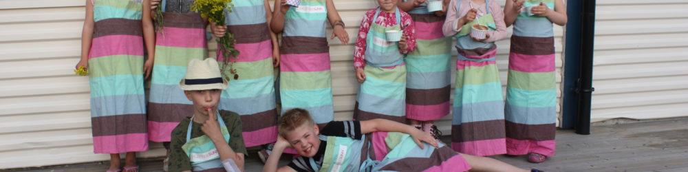 Sprudlende barn på kokkekurs!