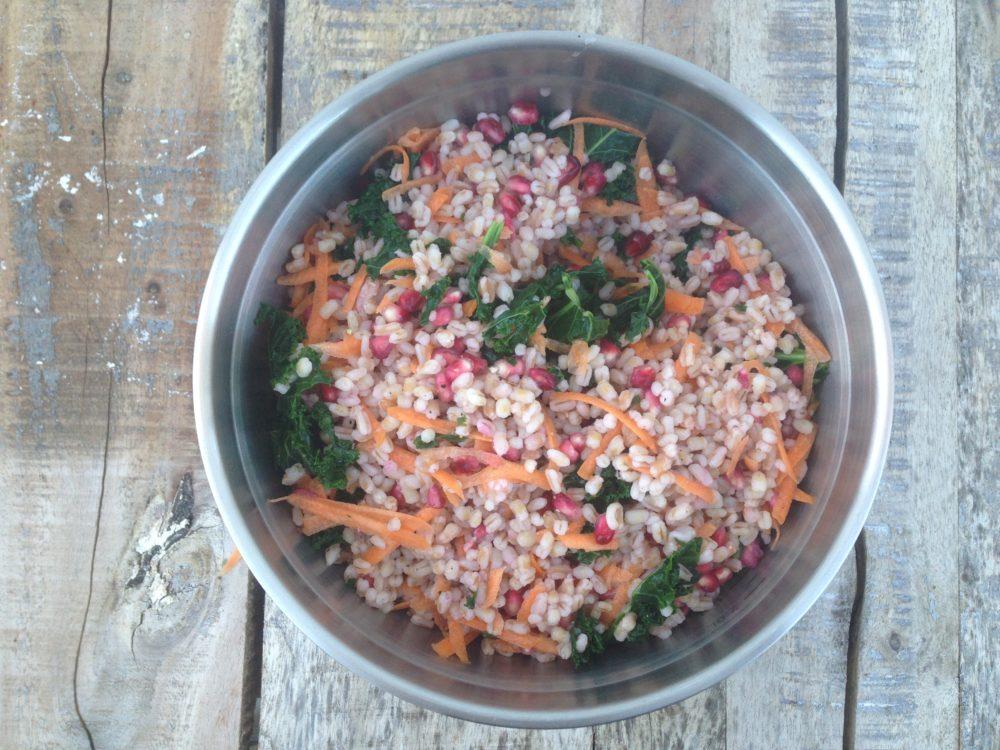 GRILL, kjedelig og usunt? – Speltperlesalat m/ grønnkål og granateple