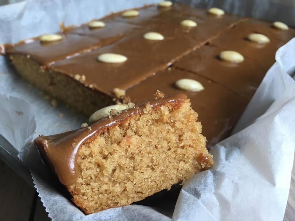 Hakkebakkeskogens Mazarinkake – tryllet glutenfri og uten raffinert sukker
