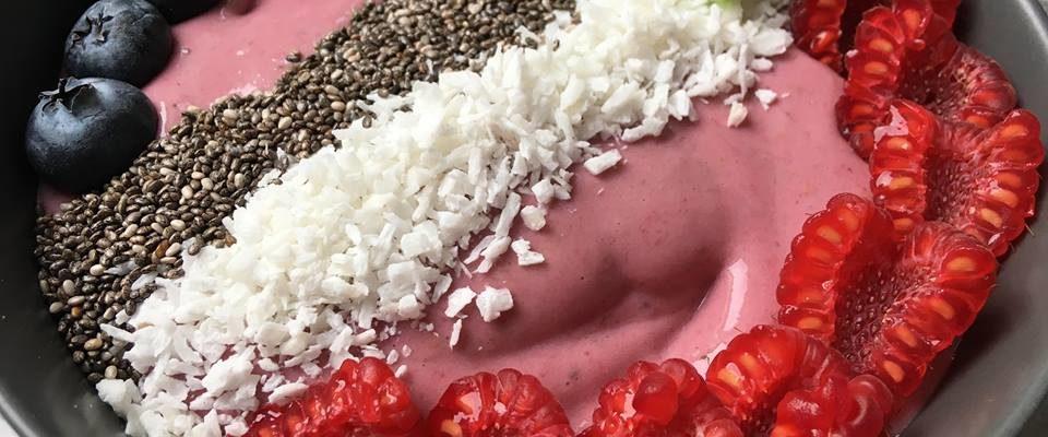 Smoothiebowl – m/ bringebær & vanilje – ekstra proteinrik!