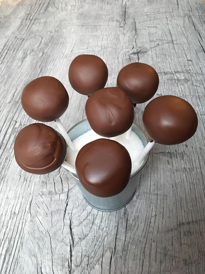 Lavkarbo sjokolade cakepops. bilde